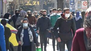'Çok yüksek riskli' Konya'da sıcaklık maske ve mesafeyi unutturdu