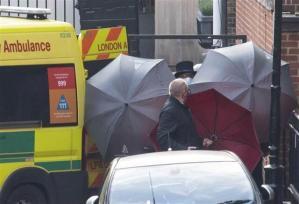 İngiltere'de Prens Philip, öteki bir hastaneye nakledildi