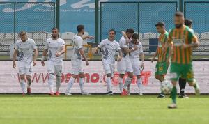 Konyaspor evinde 1 attı 3 aldı