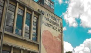 Kundura'nın Hafızası: Bir Fabrikaya Sığan Dünya