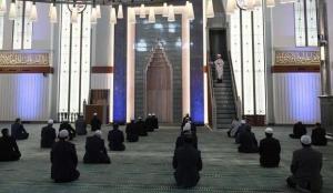 Türk Diyanet Vakıf-Sen uyardı: Cuma namazları yine yasaklanabilir!