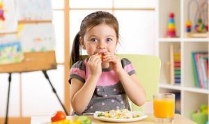Uzmanından ailelere uyarı: Çocuklar diyete zorlanmamalı