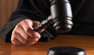 Yargıtay'dan kıskançlık kararı: Tazminat ödeyecek