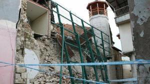 Yıkılma riski sebebiyle iki yıl önce boşaltılmıştı: O ev çöktü
