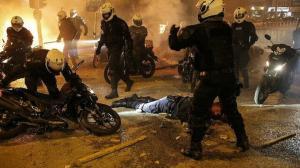 Yunanistan halkı polis şiddeti için sokakta: Atina savaş alanına döndü