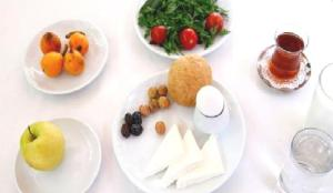 Bakanlıktan ramazan önerileri: Sahur atlamayın, en az 2 litre su için