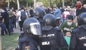 İspanya'da ilk kez aşırı sağ ve sol gruplar karşı karşıya geldi