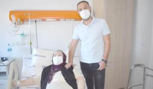 Emekli öğretmen dizlerindeki ağrı için şifayı Antalya'da buldu