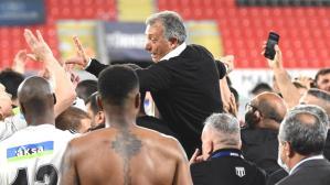 Son Dakika: Beşiktaş Başkanı Ahmet Nur Çebi, Sergen Yalçın'la yeni sözleşme imzalamak istediklerini duyurdu