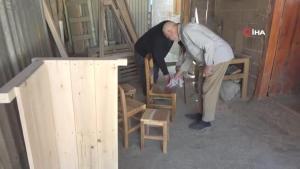 50 yıllık marangoz ustası Mehmet dede, aşkla yaptığı işten hiç şikayet almadı