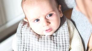 Bebeklerde reflü belirtileri ve kusmayı azaltmanın yolları