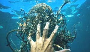 Denizlerimizin kâbusları bitmiyor! Şimdi de hayalet ağlar…