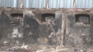 Edirne'de yanan 140 yıllık tarihi 'Böcek Mektebi' için ilk çivi çakıldı