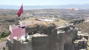 Harput kalesinde 2021'in kazısı başladı, bin metrelik alanda çalışma yapılacak