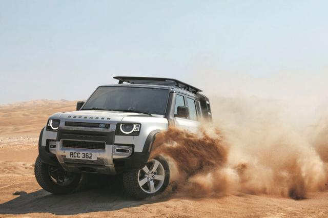 Land Rover Defender'a Yılın Tasarımı ödülü