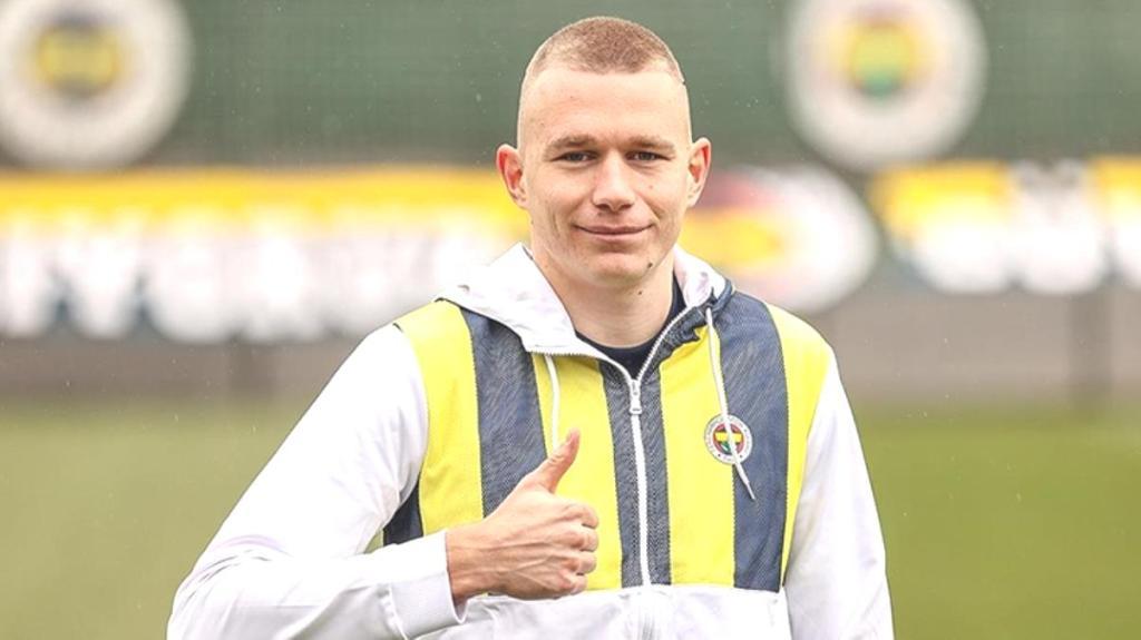 Macaristan'ın hocası Rossi, Fenerbahçeli Attila Szalai'ye övgüler yağdırdı
