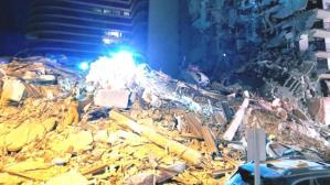 Miami'de 11 katlı bina çöktü, enkaz altında yaralılar var