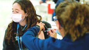 Yunanistan, Kovid-19 aşısı yaptıran 18-25 yaşındaki vatandaşlarına 150'şer euro dağıtacak