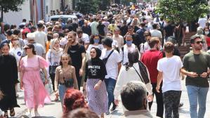 Aşı karşıtlarını iknaya yönelik tavsiye Bilim Kurulu Üyesi İsmail Balık'tan geldi: Çift doza konser ya da maç bileti hediye edilsin