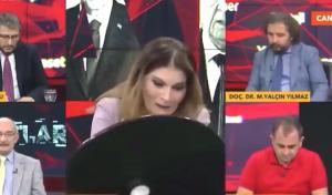 TVNET canlı yayınında moderatörün yaslandığı masa kırıldı, konuklar ve izleyiciler şaşkına döndü