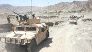 Afganistan'da Taliban ilk kez bir vilayet merkezini ele geçirdi