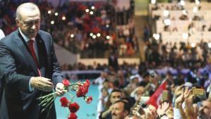 AK Parti'nin 20. kuruluş yıl dönümü etkinlikleri ertelendi