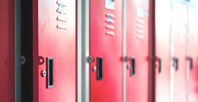 Engelli öğrencisiyle sınıfın dolabında ilişkiye giren öğretmen tutuklandı