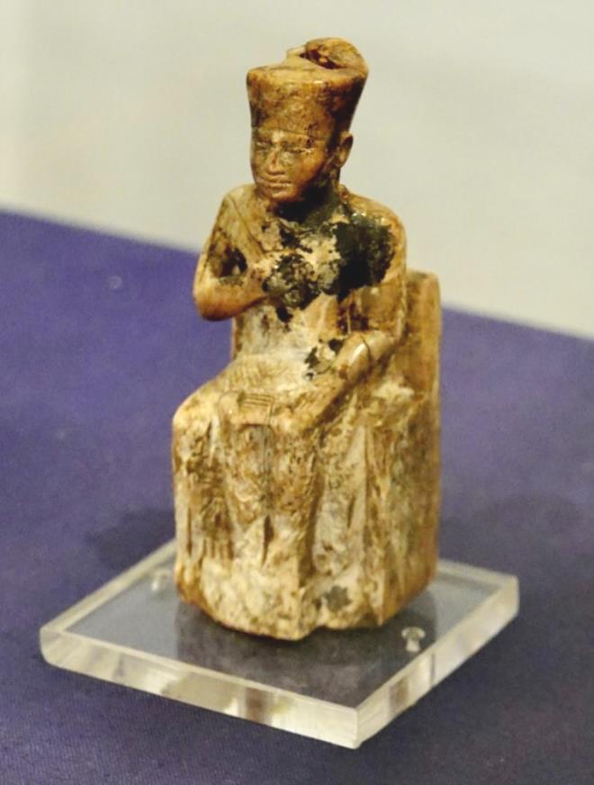 Firavun Keops'un 4 bin 600 yıllık gemisi yeni evine böyle taşındı