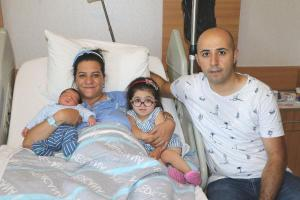 İkinci bebeğini tedaviyle sağlıklı dünyaya getirdi