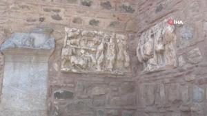İznik surlarındaki 'devşirme' taşlar dikkat çekiyor