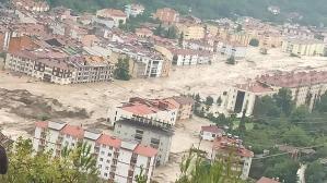Kastamonu'da sel felaketi! Valilikten 'HES' açıklaması