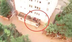 Kastamonu'da tahliye edilen bina 20 dakika sonra yıkıldı