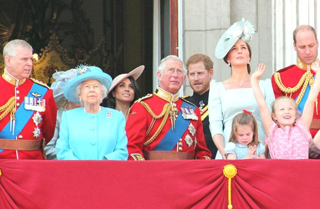 Kraliyet ailesi zorda! 17 yaşındayken cinsel saldırıya uğradığını iddia eden kadın, Prens Andrew'a dava açtı
