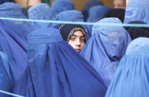 Taliban Açıkladı: Kadınlar Üniversite Eğitimi Alabilecekler mi?