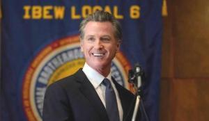California Valisi Newsom hakkındaki tarihi referandum sonuçlandı
