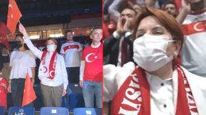 Meral Akşener, Filenin Sultanları'nı yalnız bırakmadı! Coşkulu tezahüratlarıyla takıma destek verdi