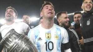 Pele'nin rekorunu tarihe gömen Messi, hüngür hüngür ağladı