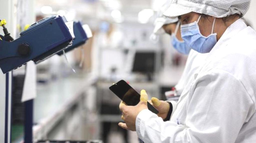 Yerli üretim hamlesi meyvelerini vermeye başladı! Akıllı telefonların Türkiye fiyatları yarı yarıya düştü