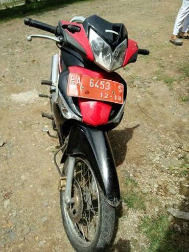 Inilah sepeda motor dinas yang disita dari AZ saat melintas di Kecamatan Wawo, Jumat siang lalu.
