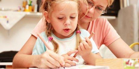 Sumber : http://www.vemale.com/topik/parenting-dan-bayi/30511-penyakit-apa-sih-disleksia-itu.html