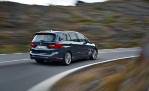 2016-BMW-220d-Gran-Tourer-xDrive-Euro-spec-103-876x535