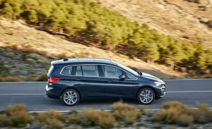 2016-BMW-220d-Gran-Tourer-xDrive-Euro-spec-109-876x535
