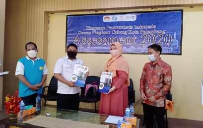 Penandatangan MoU antara Universitas Bina Darma dan DPC HPI Kota Palembang (Himpunan Pramuwisata Indonesia).