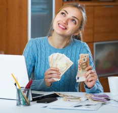 Investment options for housewives