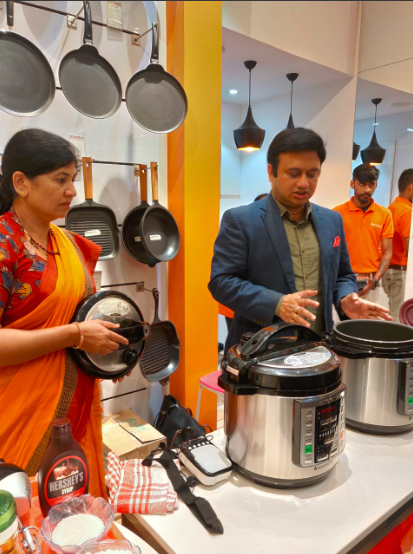 Ravi Saxena,MD Wonderchef at the unveiling of Nutri-Pot