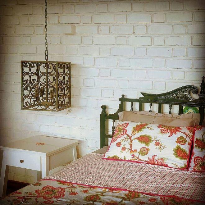 Goa bed