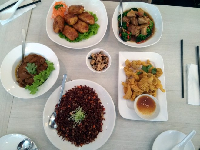 Lunch at Whole Earth Singapore's first Peranakan-Thai vegetarian restaurant