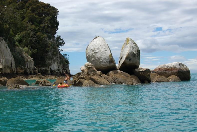 Split Apple Rock, Abel Tasman National Park. PC- Tourism New Zealand