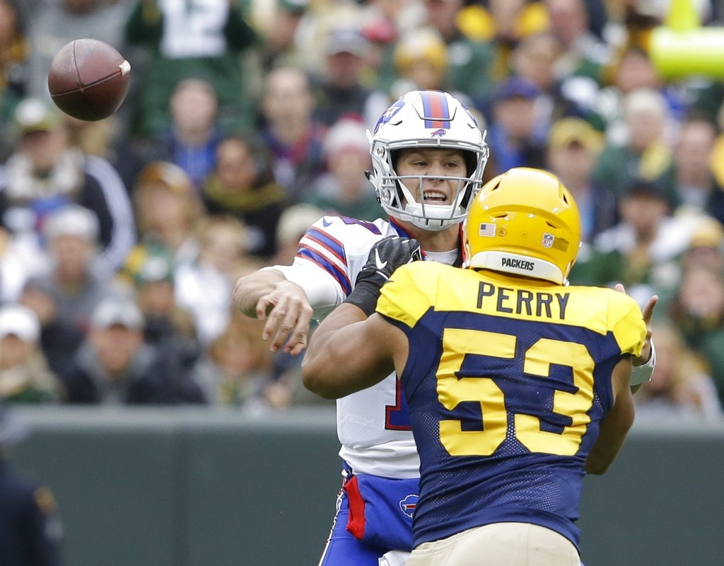 Bills Packers Football_1538334849516