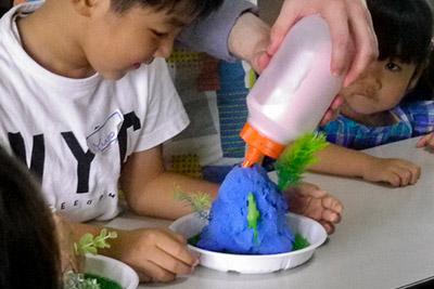baking soda and vinegar volcanoes